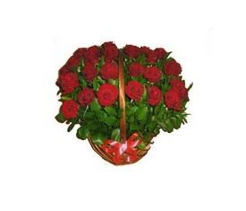 корзина из 39 красных роз гран при