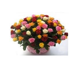 Корзина из 101 разноцветной розы ассорти