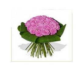 Букет из 19 розовых роз и аспидистры