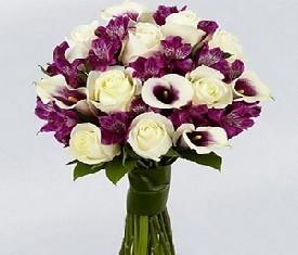 Букет из цветов 10 Калл, 9 роз, альстромерии