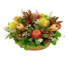 корзина из экзотических цветов