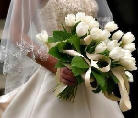 свадебный букет из 39 белых тюльпанов