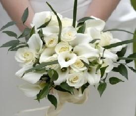 свадебный букет из каллы и розы