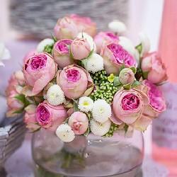 оформление цветами кустовые розы