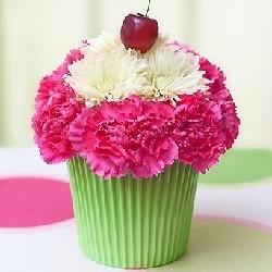 оформление цветами композиция кекс