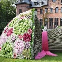 оформление цветами композиция набоку