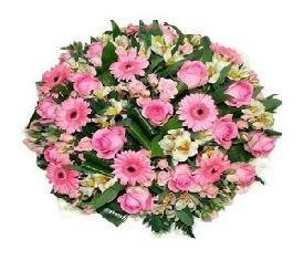 розы, герберы и альстромерии
