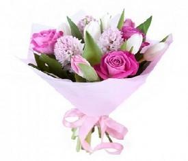 5 белых тюльпанов, розовые гиацинты, розовые розы