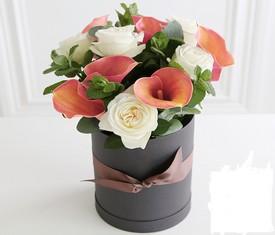 9 калл и 10 роз в коробке