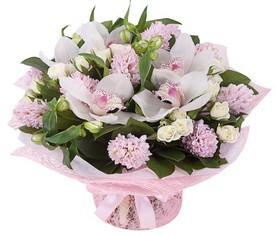 букет из цветов орхидеи и гиацинтов