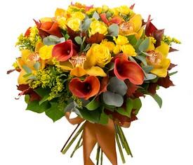 букет из цветов орхидеи и каллы