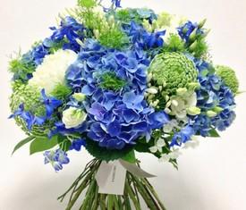 букет из 7 цветов голубой гортензии