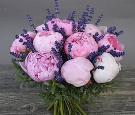 розовые пионы и лаванда - купить цветы пионы