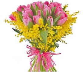 5 тюльпанов и мимоза на 8 марта