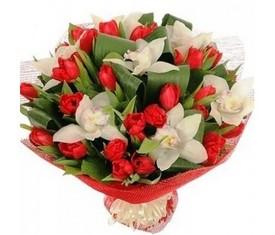 25 тюльпанов и 10 орхидей