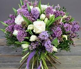 букет из сирени, роз и тюльпанов с доставкой
