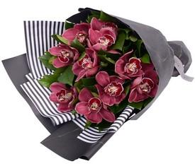 букет из розовых орхидей цимбидиум купить