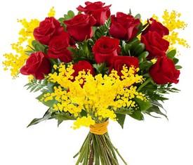букет из мимозы и розы с доставкой по москве