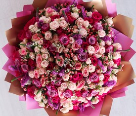 букет цветов из 101 кустовой розы