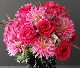 букет из георгин гортензий и роз