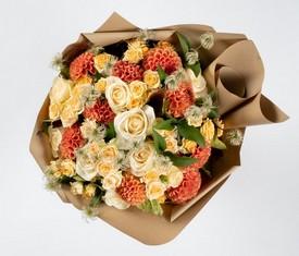 цветы георгины и розы
